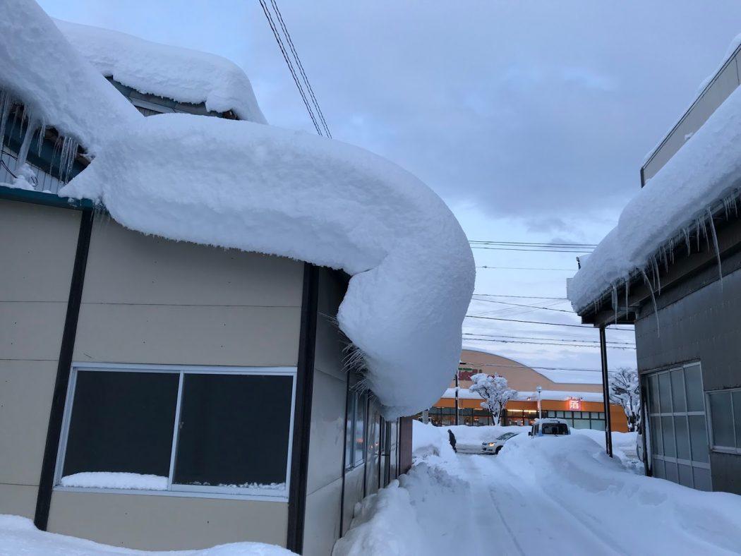 【秘訣】2018年の積雪から構造を考える。「雪庇・カーポート」