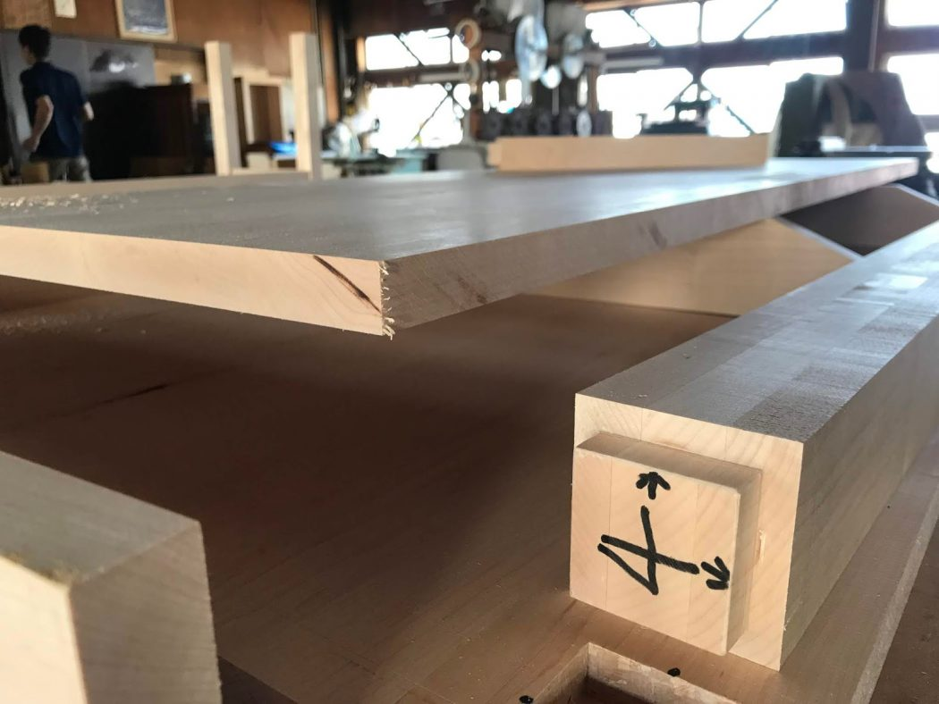 【網川原のエスネル‐35】造作ラックDテーブル製作!阿部仏壇製作所さん見学。