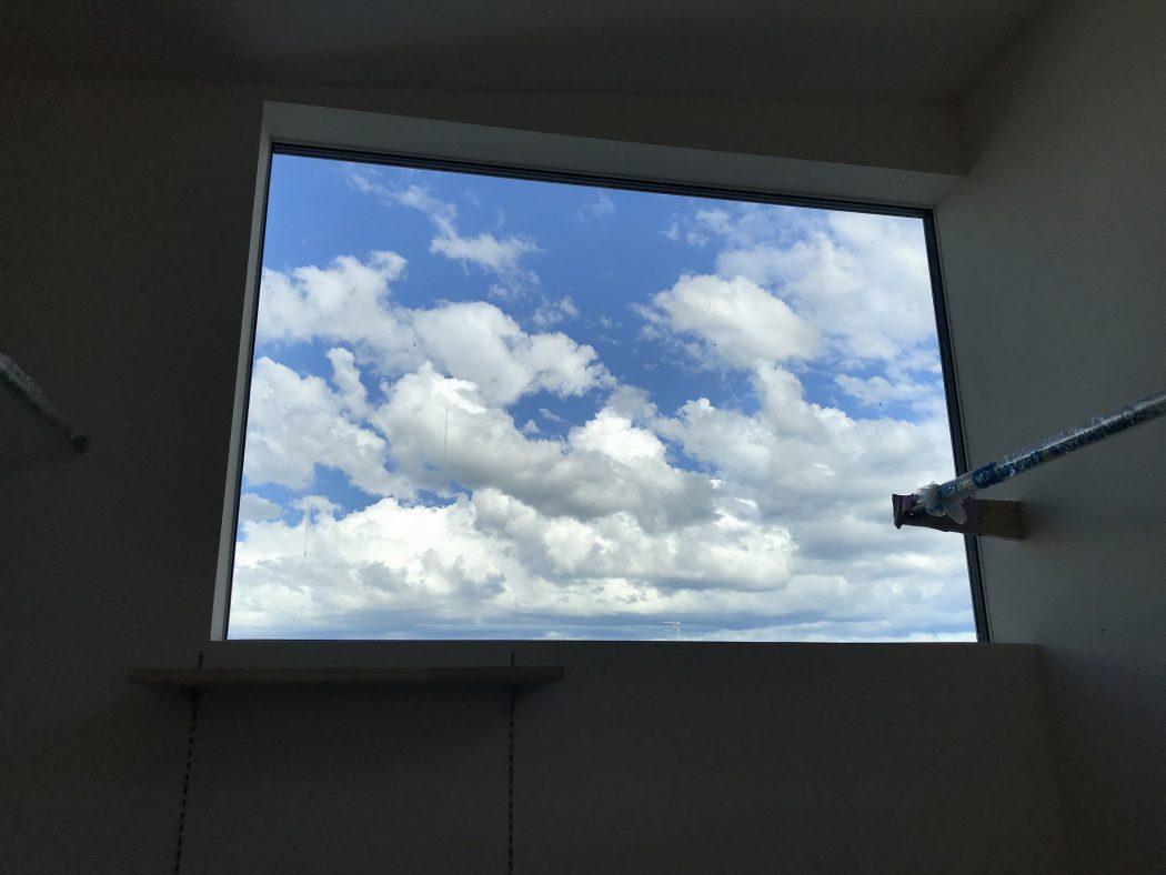 【地蔵のエスネル-10】窓の設計『雲見窓。』風景を切り取る窓を。